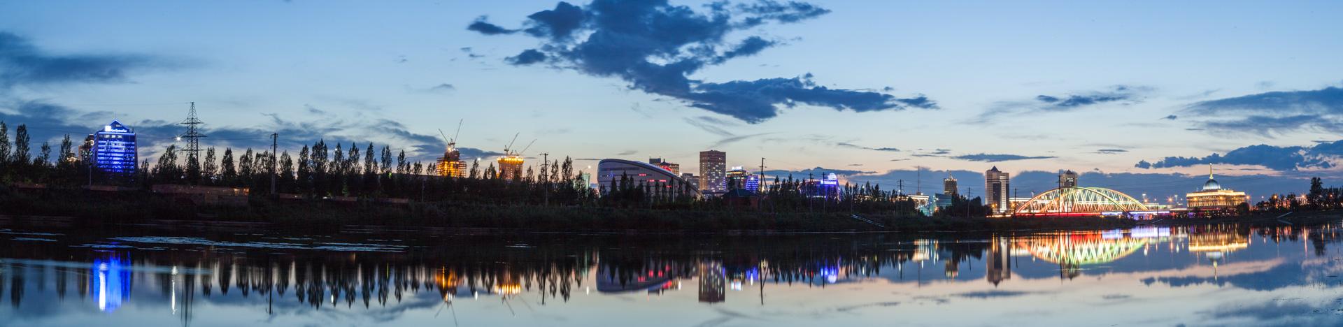 ночная Астана панорама